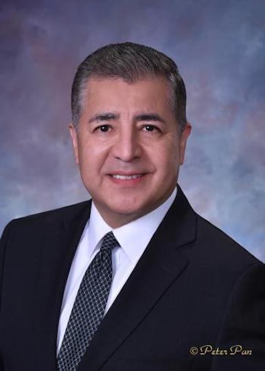 https://wbcalaredo.org/wp-content/uploads/2021/06/David-H.-Gonzalez.jpeg